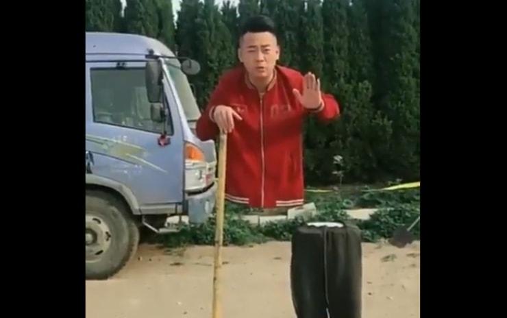 Iluzionista otkrio kako se izvodi čuveni ulični trik levitiranja