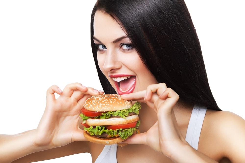 Sigurni smo da i vi jedete hamburger na pogrešan način