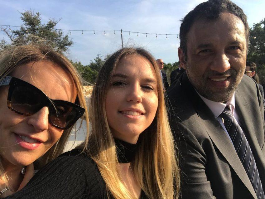 Usvojena ćerka Vlada Divca: Volela bih da znam ko su mi biološki roditelji