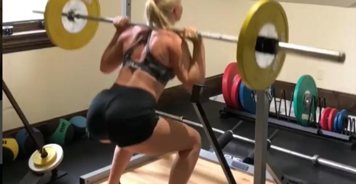 Fanovi ove sportistkinje su oduševljeni njenim telom! (FOTO)