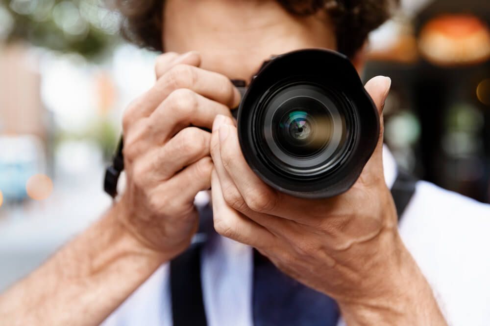 Plata od 100.000 evra godišnje za posao fotografa