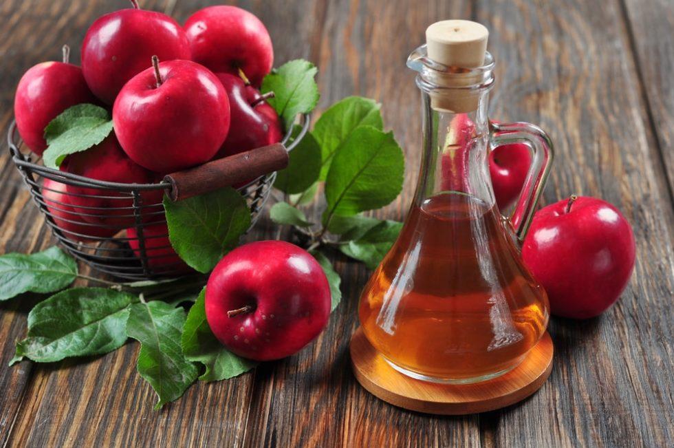 Zašto bi trebalo da ispirate kosu jabukovim sirćetom?