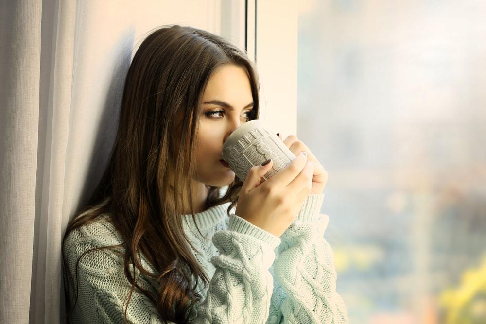 Zašto nikada ne treba da pijete kafu na prazan želudac