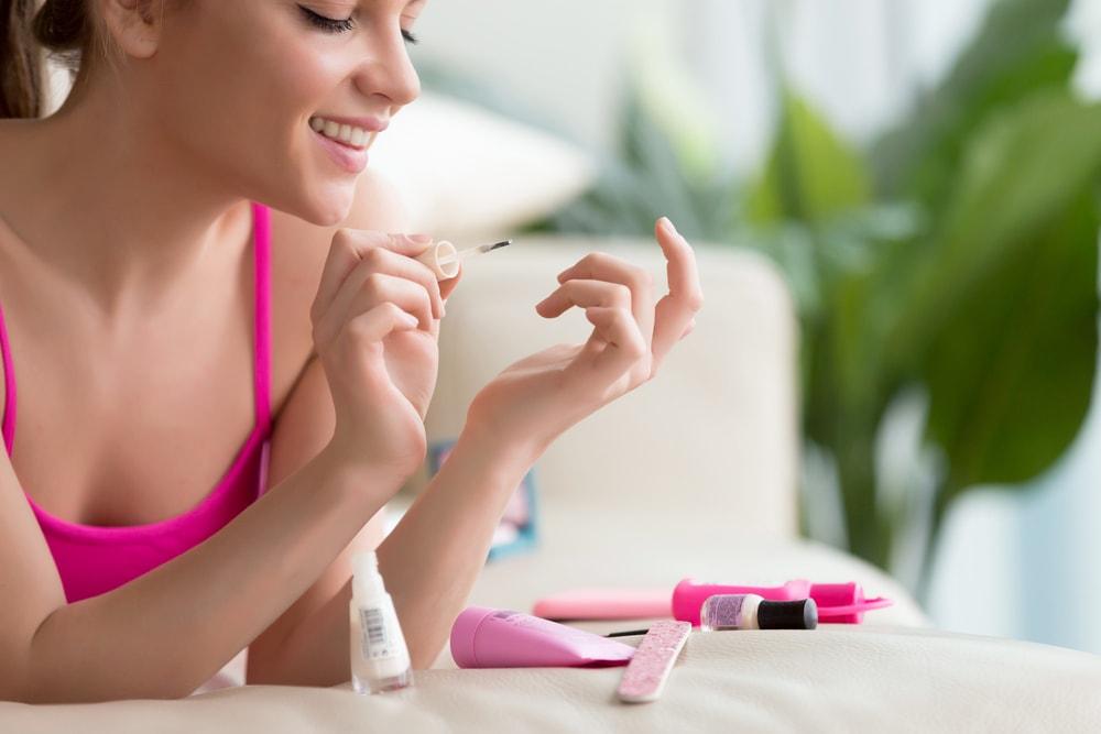 Kako da skinete lak sa noktiju bez acetona