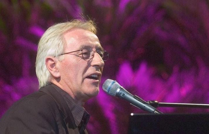 Posthumno objavljena pesma Olivera Dragojevića oduševila sve njegove fanove