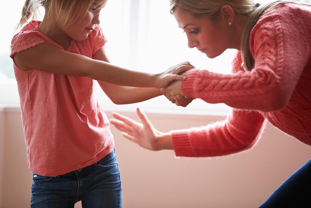 Francuska usvojila zakon o zabrani roditeljskog kažnjavanja dece