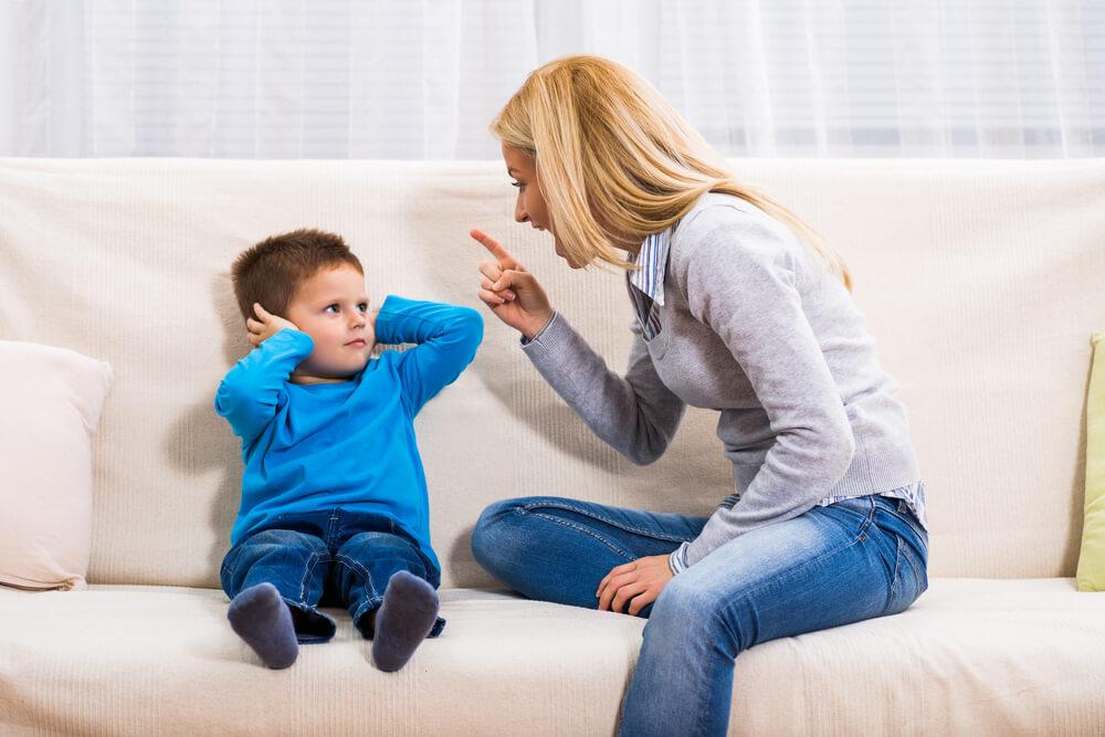 Greške u vaspitanju koje decu kasnije čine manje sposobnim ljudima