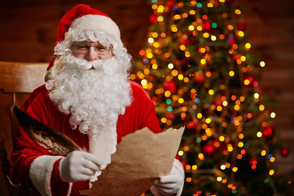 """Tajanstveni """"Deda Mraz"""" platio ljudima dugove u lokalnom supermarketu"""