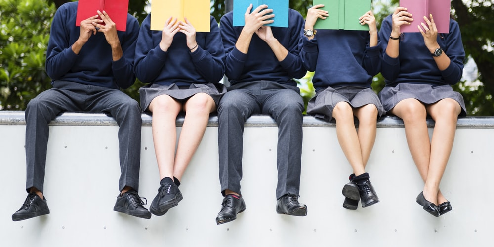 Ova zemlja je uvela školske uniforme koje sprečavaju bežanje sa časova