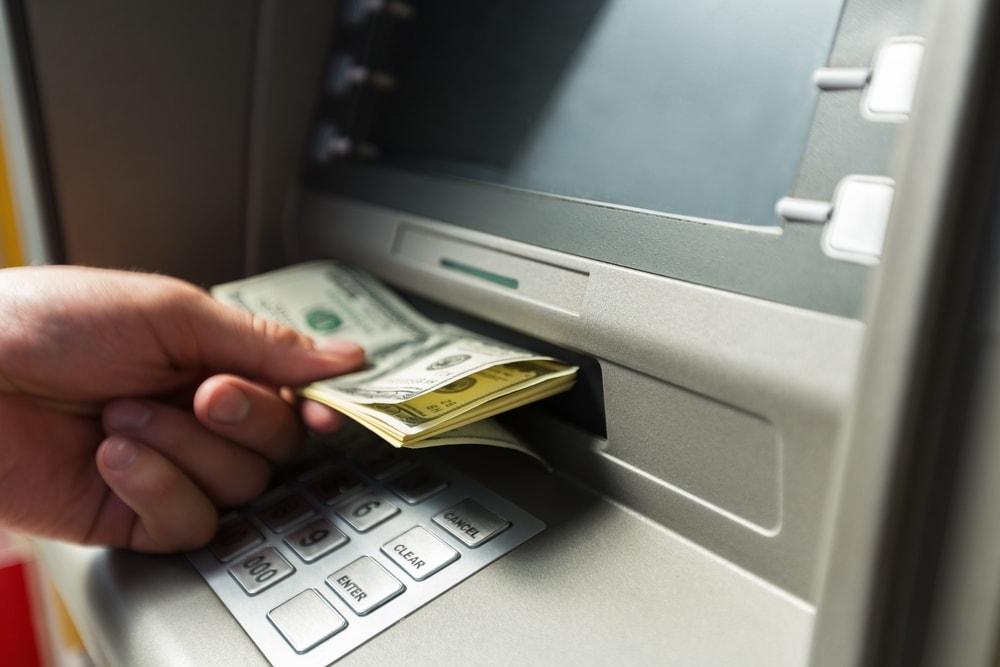 Zbog greške bankomata postao milioner