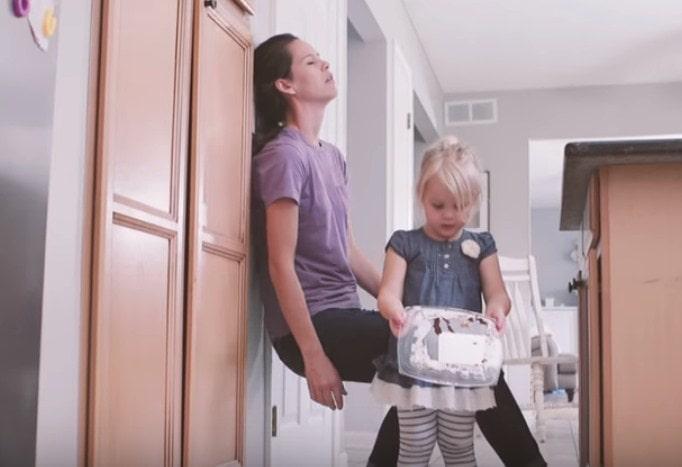 Video za sve mame: Kako jedan običan dan vidite vi, a kako vaše dete?
