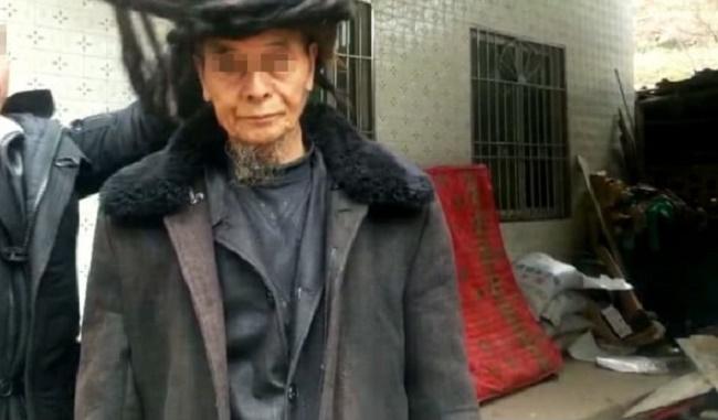 Ovako izgleda čovek koji se nije šišao 54 godine