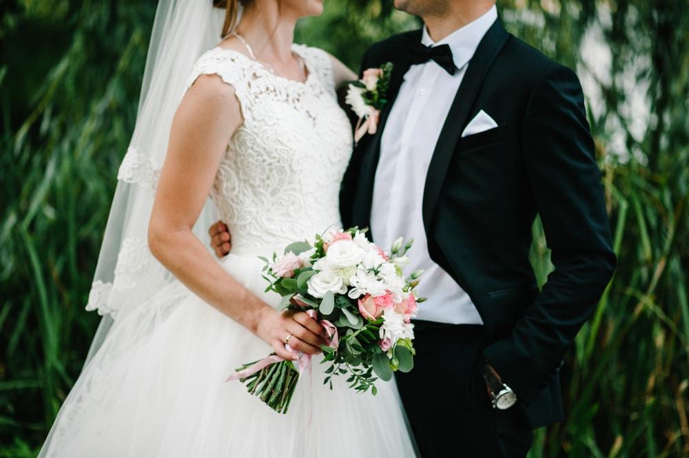 Bilo je zabranjeno na zemlji pa su priredili venčanje u vazduhu!