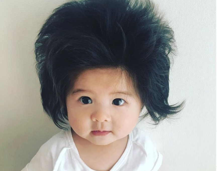 Devojčica sa najbujnijom kosom je porasla i još je slađa!