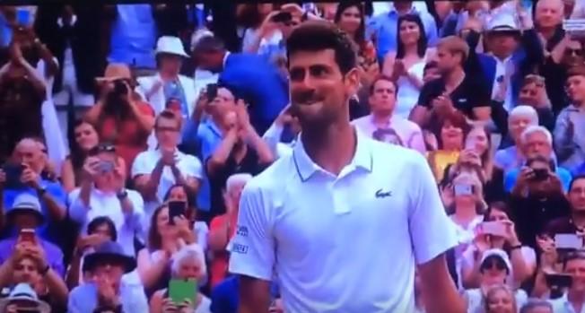 Fenomenalna reakcija Novaka nakon što je savladao Federera! (VIDEO)