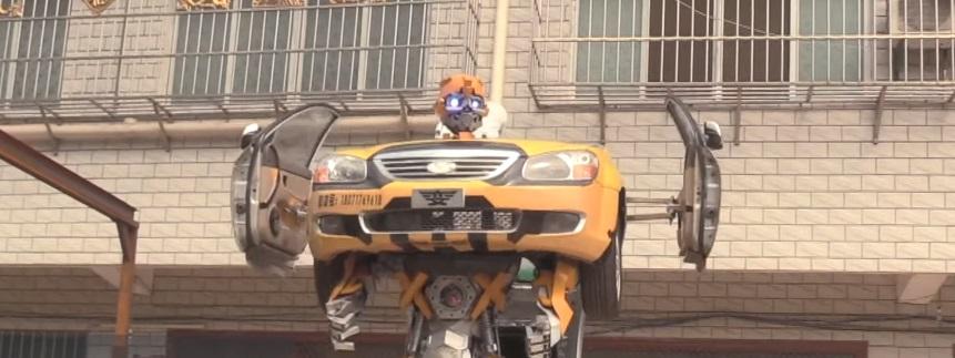 Od starih kola napravio Transformersa u prirodnoj veličini!