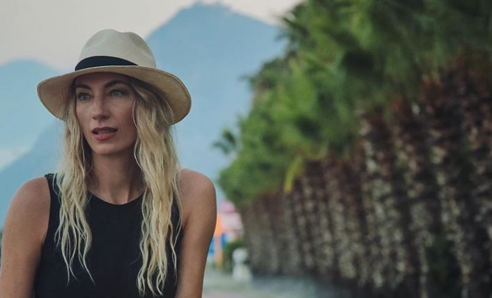 Ana Stanić oduševila fotografijom sa plaže