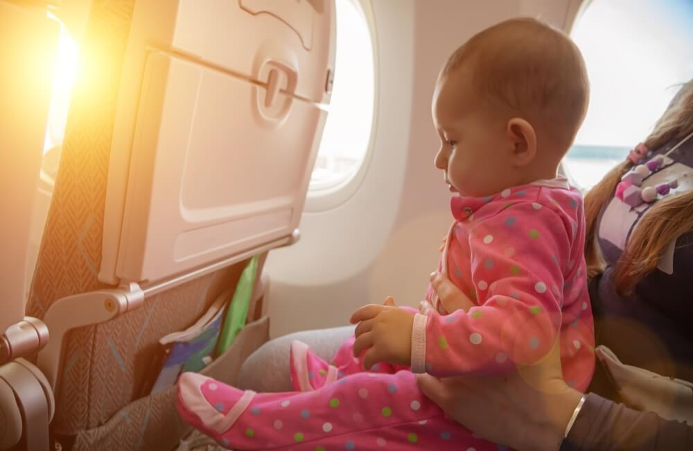 Avio-kompanija smislila kako da izbegnete bebe u avionu