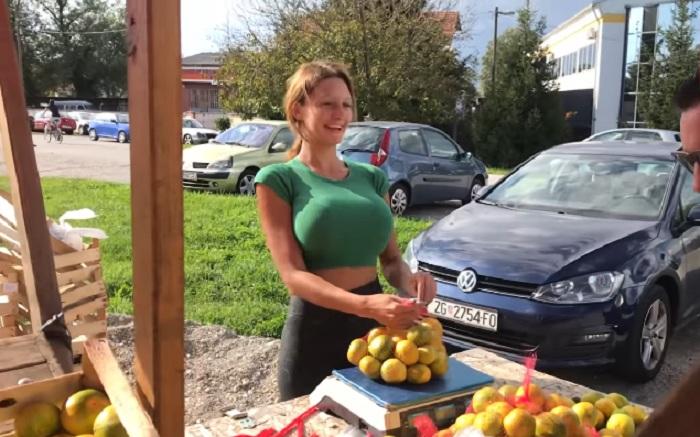 Zgodna Hrvatica dnevno proda i do 300 kilograma mandarina!