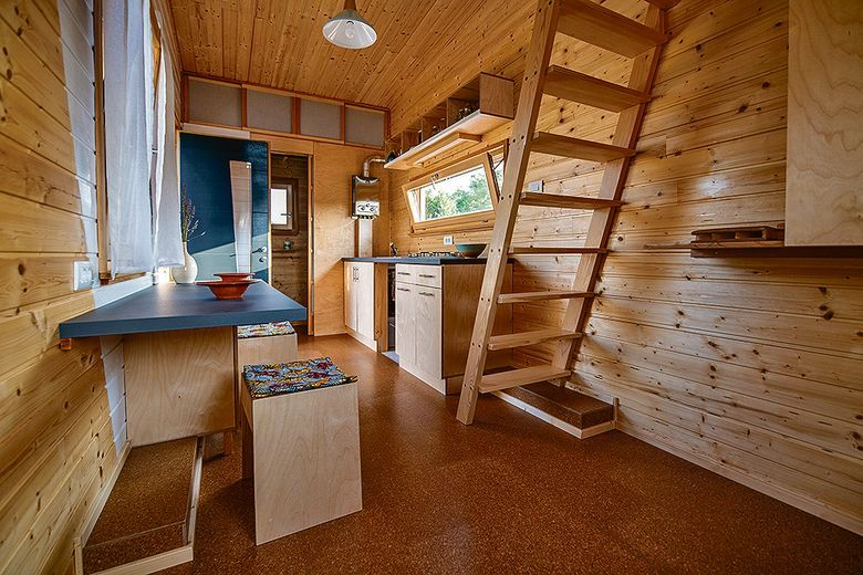 Drvena kućica od 16,3 kvadrata ima sve što vam je potrebno
