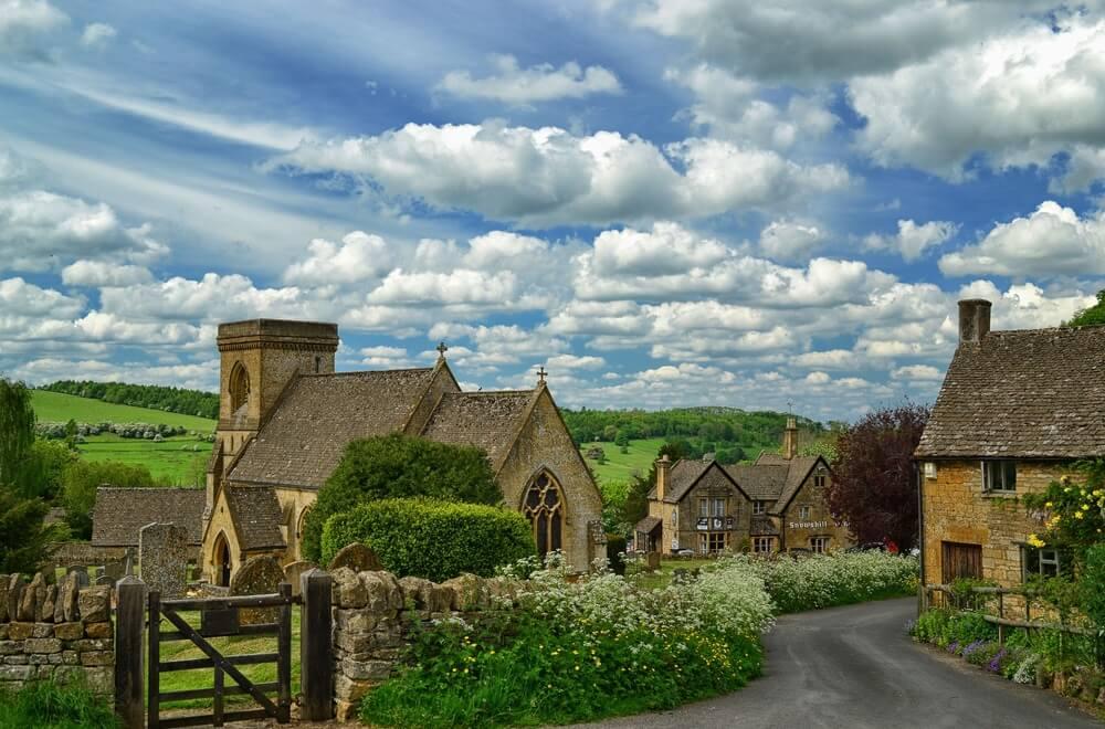 Selo u Engleskoj nudi besplatan smeštaj ostavljenima