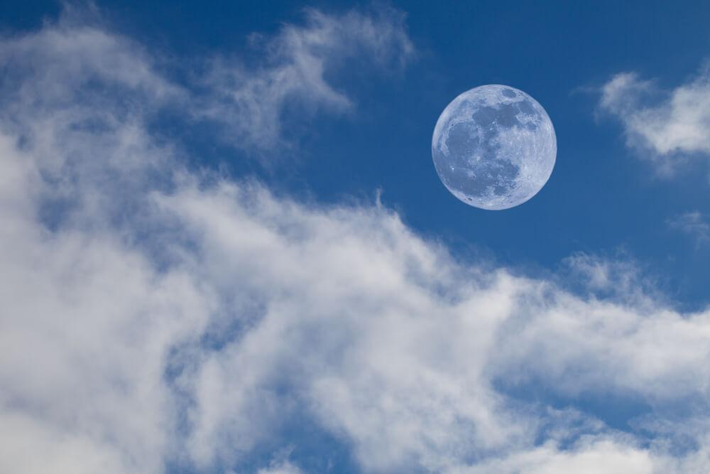 Zašto vidimo Mesec tokom dana