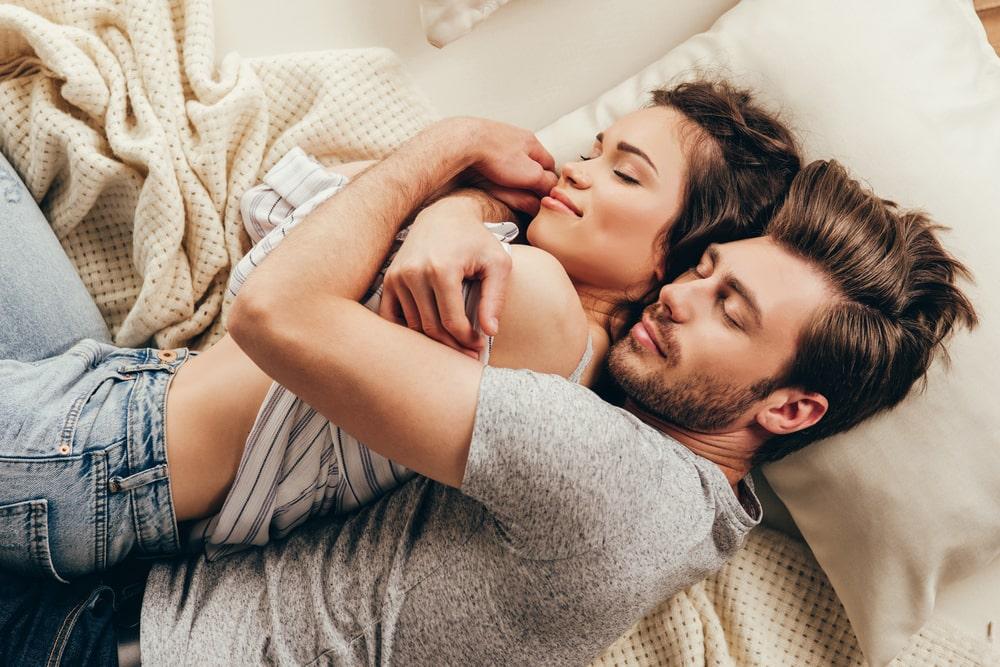 """6 rečenica koje je ženama važnije da čuju od """"volim te"""""""
