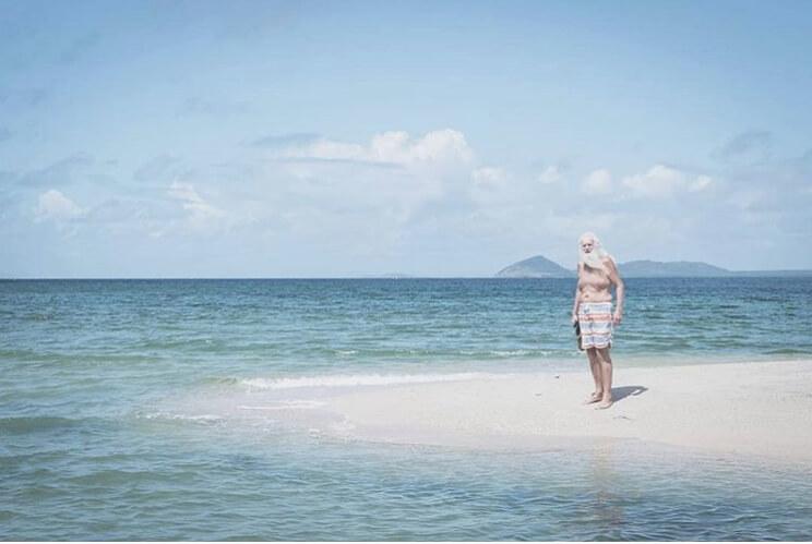 Bivši milioner živi sam na pustom ostrvu!