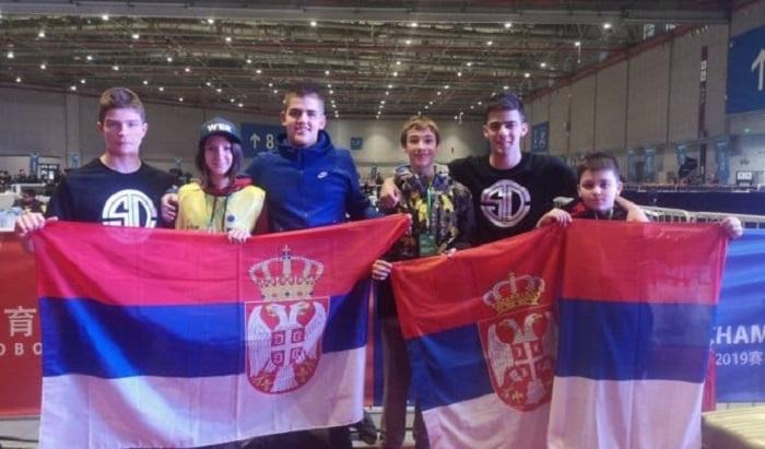 Veliki uspeh mladih robotičara Srbije na takmičenju u Kini