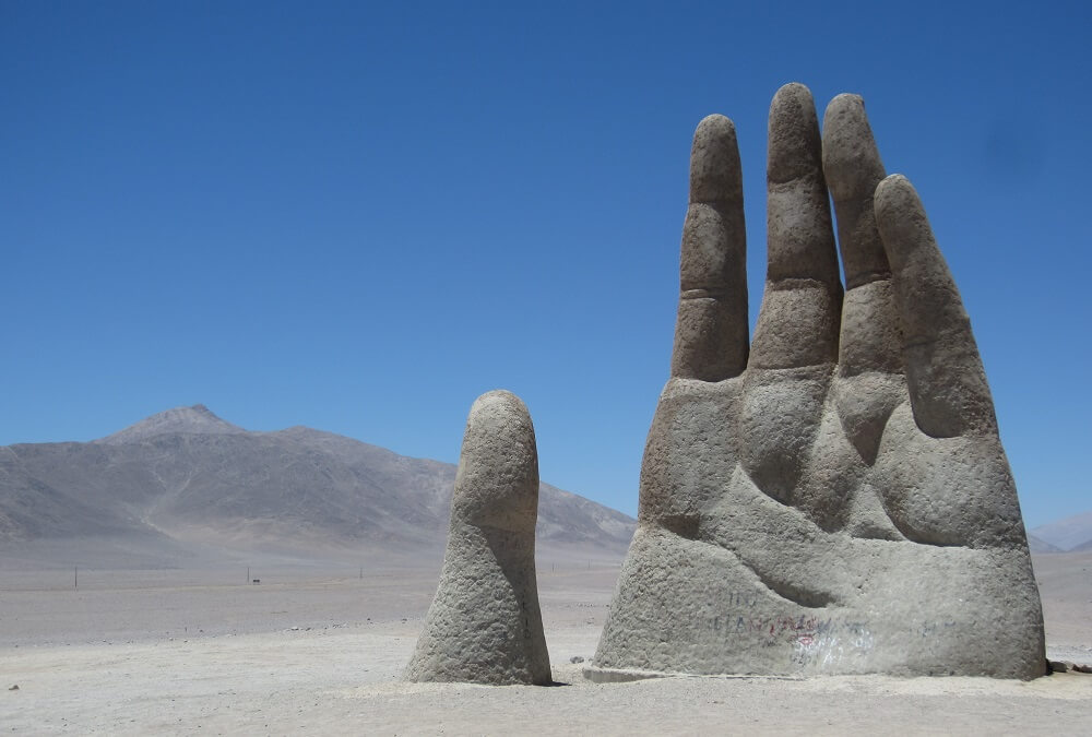 Pustinjska ruka koja očajnički traži spas