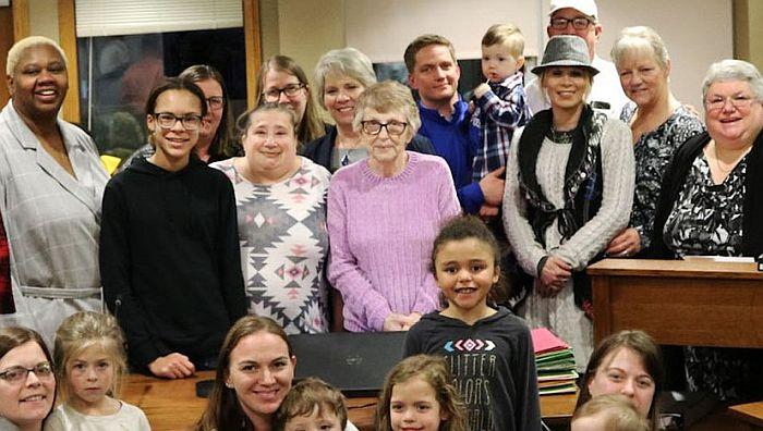 75-godišnja žena udomila više od 600 dece