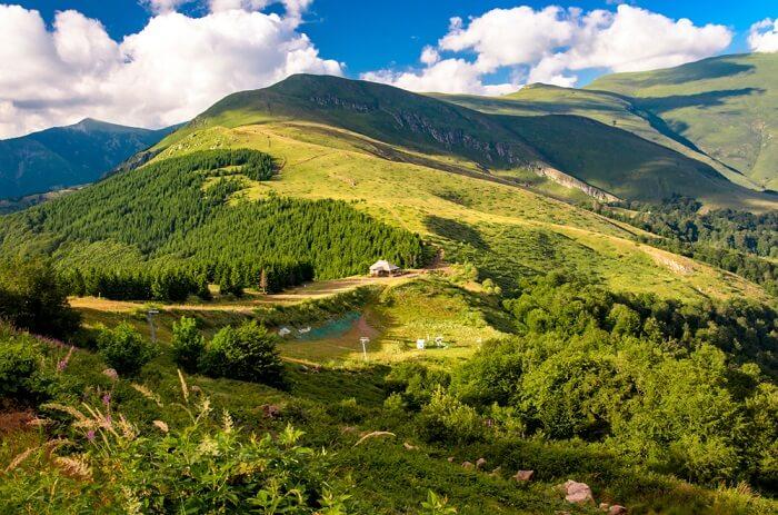 10 prirodnih lepota naše zemlje koje vredi obići