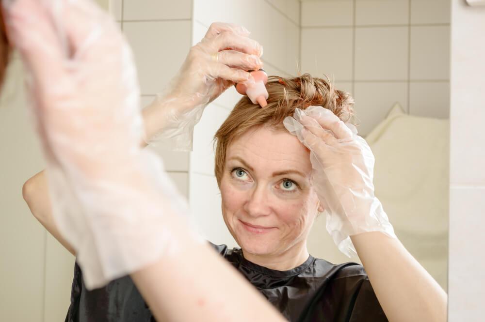 Najjednostavniji način da sami obojite kosu kod kuće
