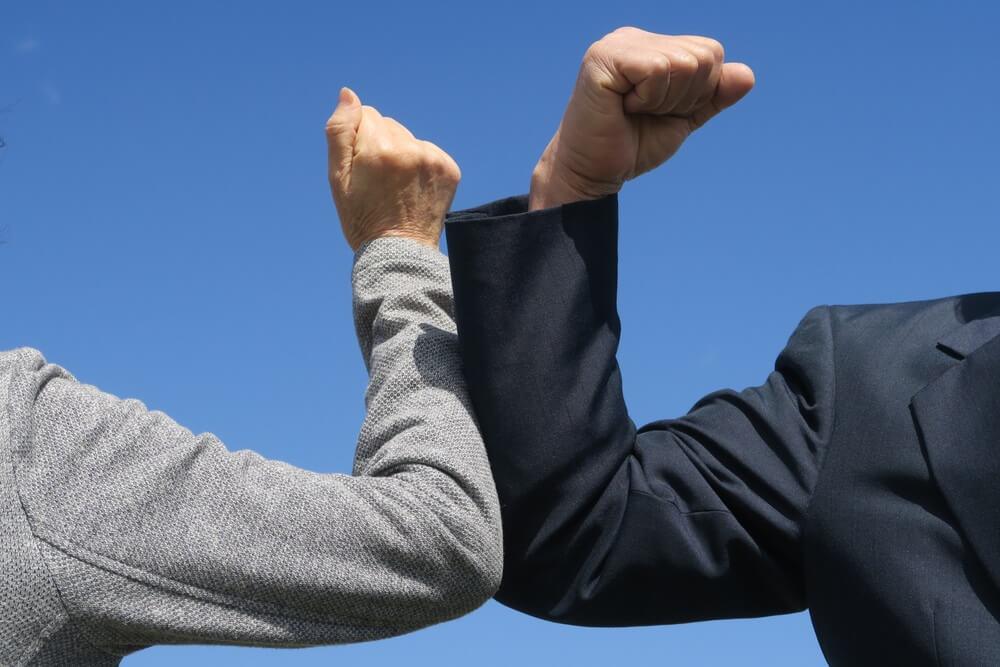 Koji su načini pozdravljanja zamenili rukovanje?