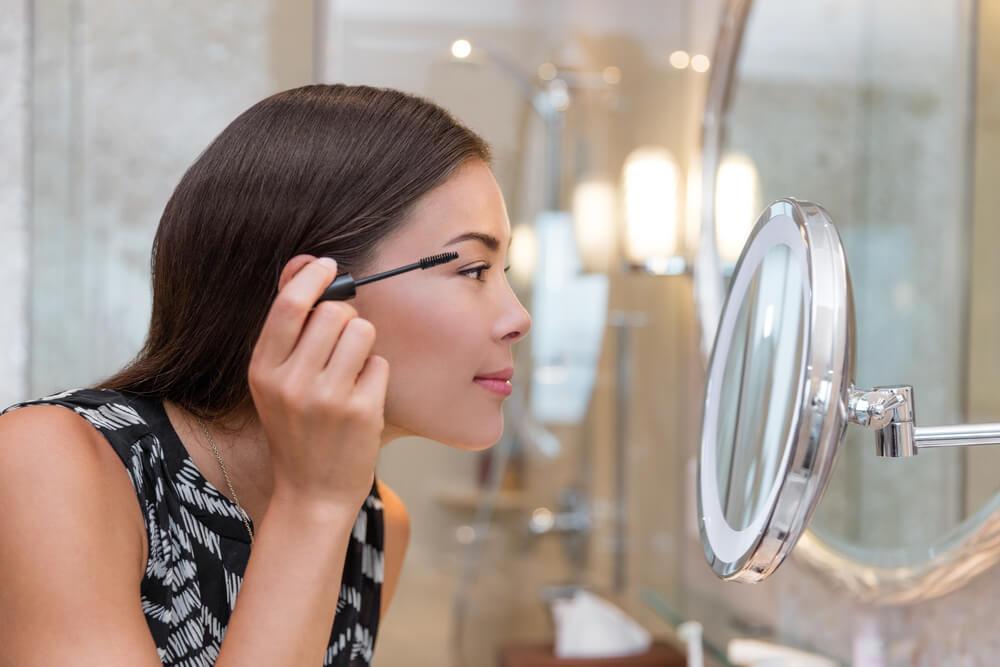 Šminkerski trikovi koji ce učiniti da izgledate deset godina mlađe