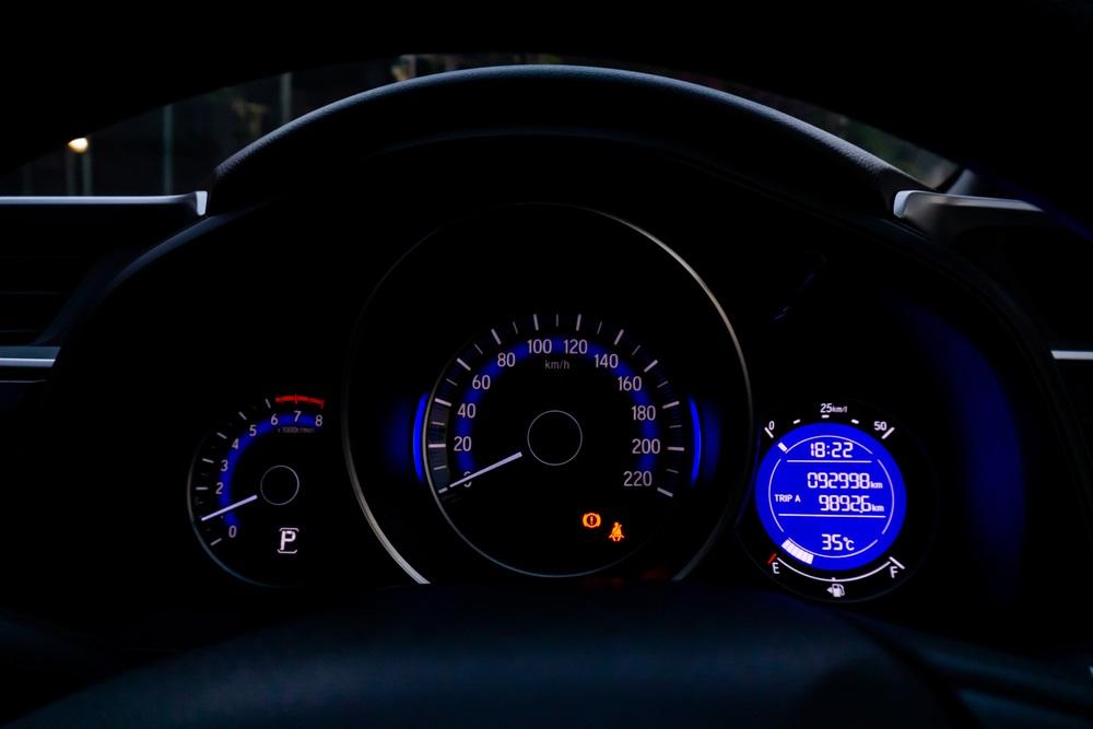 """Da li nas brzinomeri u automobilima """"varaju"""" i to legalno?"""
