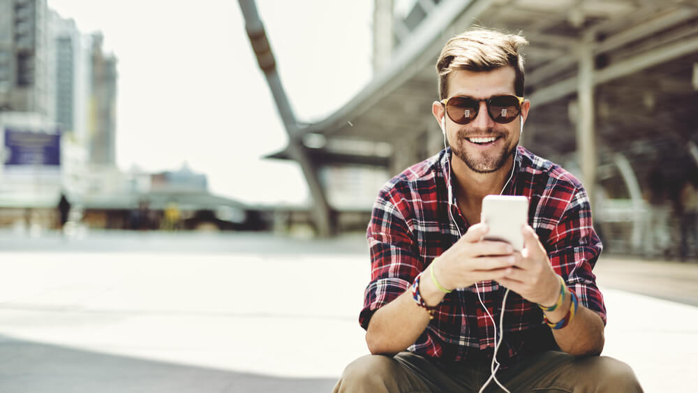 Prljavije su nego što mislite: kako i koliko često treba prati slušalice