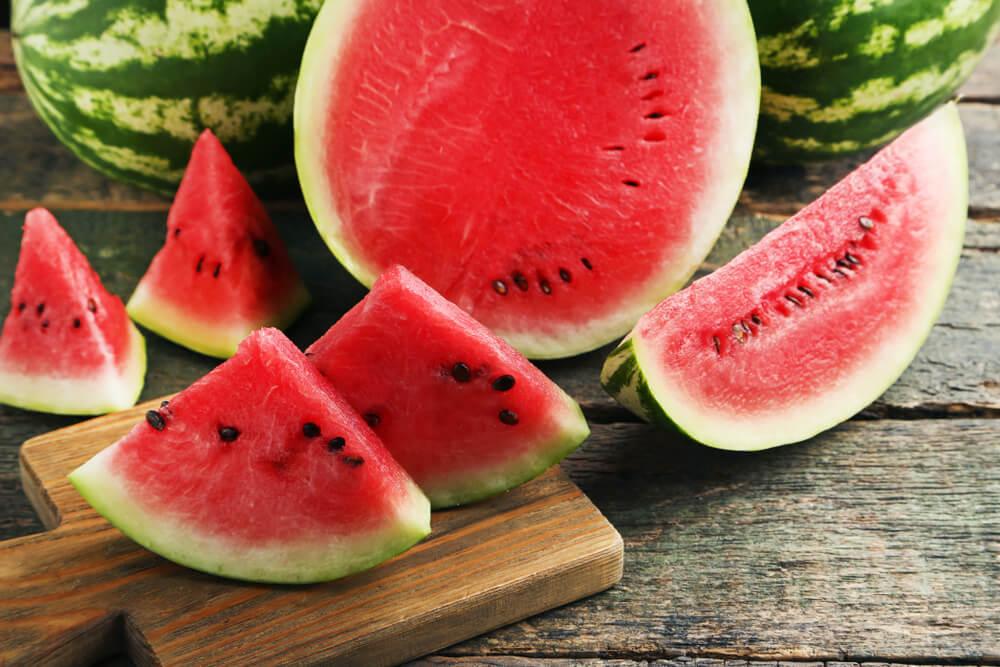 Top 5 genijalnih načina kako iseći lubenicu brzo i efikasno