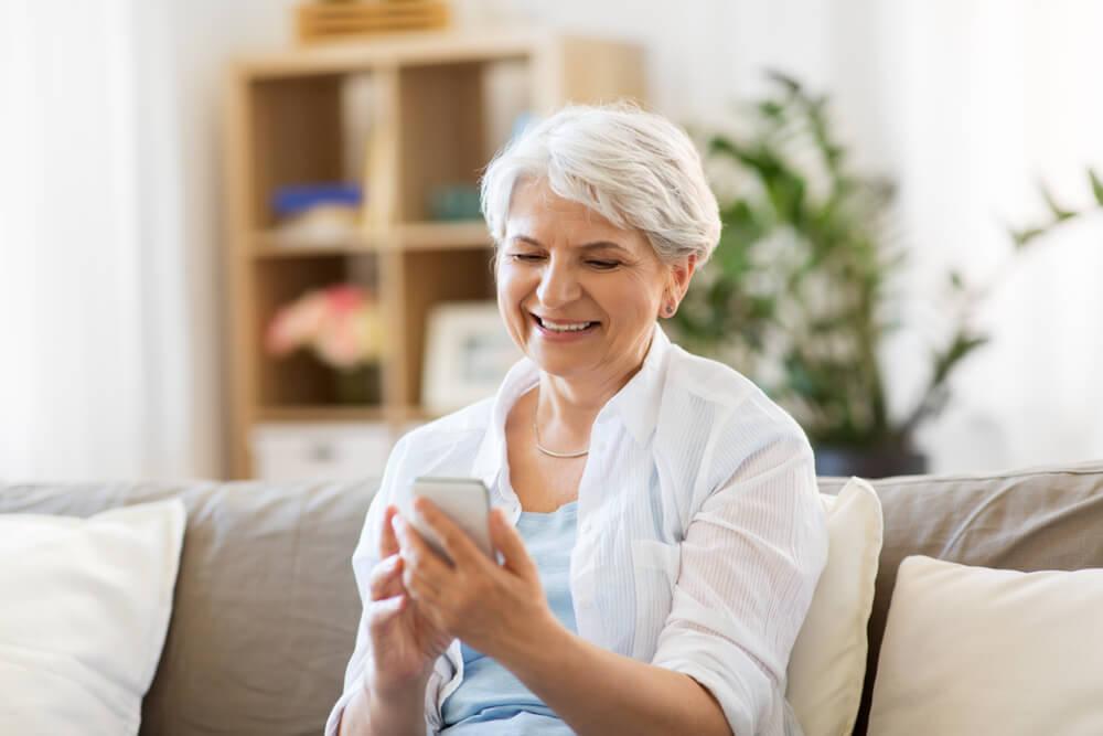 Tehnologija za sve – ovo su najbolje aplikacije, alati i igre za starije ljude