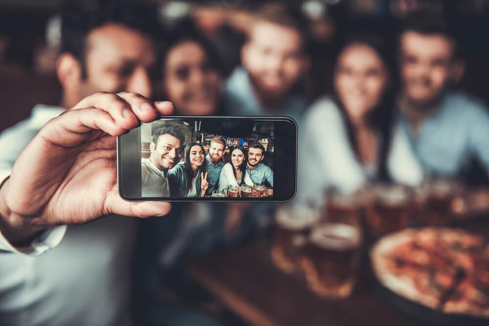 """Ovo su """"prevare"""" koje svi činimo – O čemu ljudi najčešće lažu na društvenim mrežama"""
