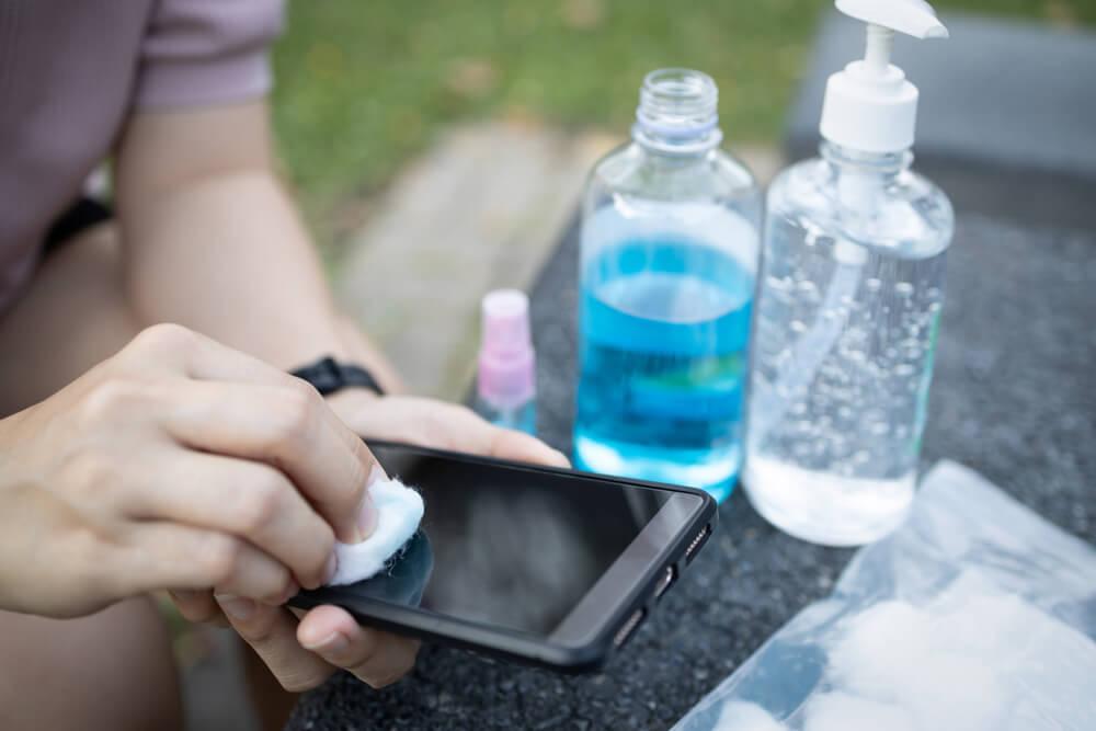 Koliko često i kako čistiti mobilni u doba pandemije?