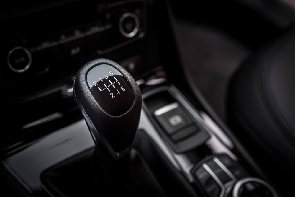 Ovo su najveće greške koje vozači čine sa ručnim menjačem – da li ih i vi pravite?