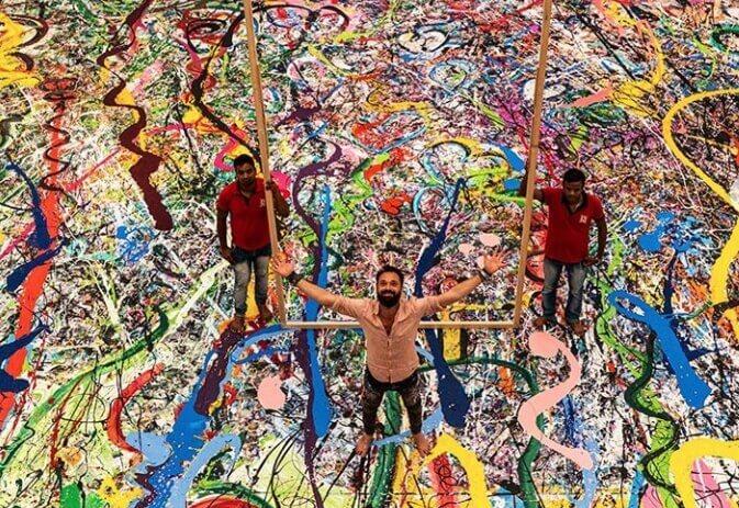 Umetnik slika najveće delo na platnu za Ginisa da bi pomogao siromašnoj deci