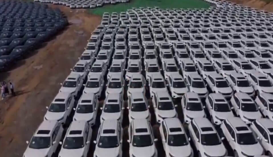 Kineska kompanija poklonila novi automobil svakom radniku!