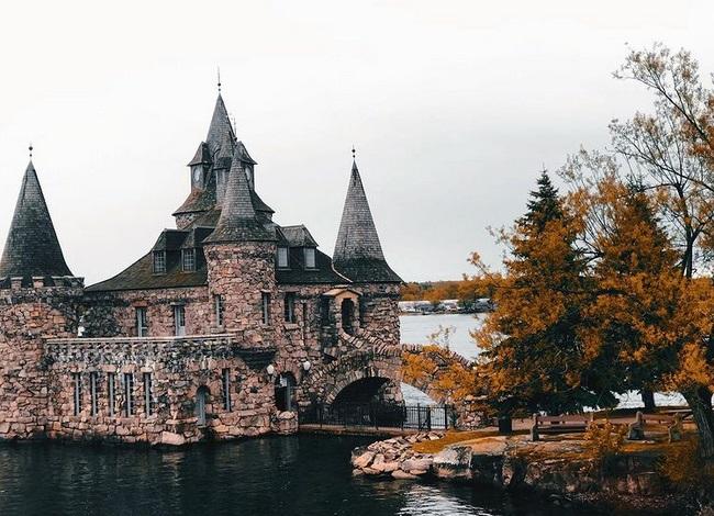 Zamak na Ostrvu srca krije tužnu ljubavnu priču