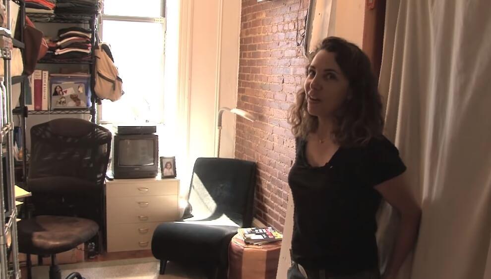 Njen stan ima samo 8 kvadrata: Kada otvori vrata i vidite šta se u njemu krije, pitaćete se da li vas oči varaju