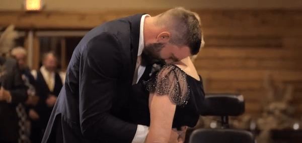 Snimak koji će vas rasplakati – sin ispunio poslednju želju svoje majke