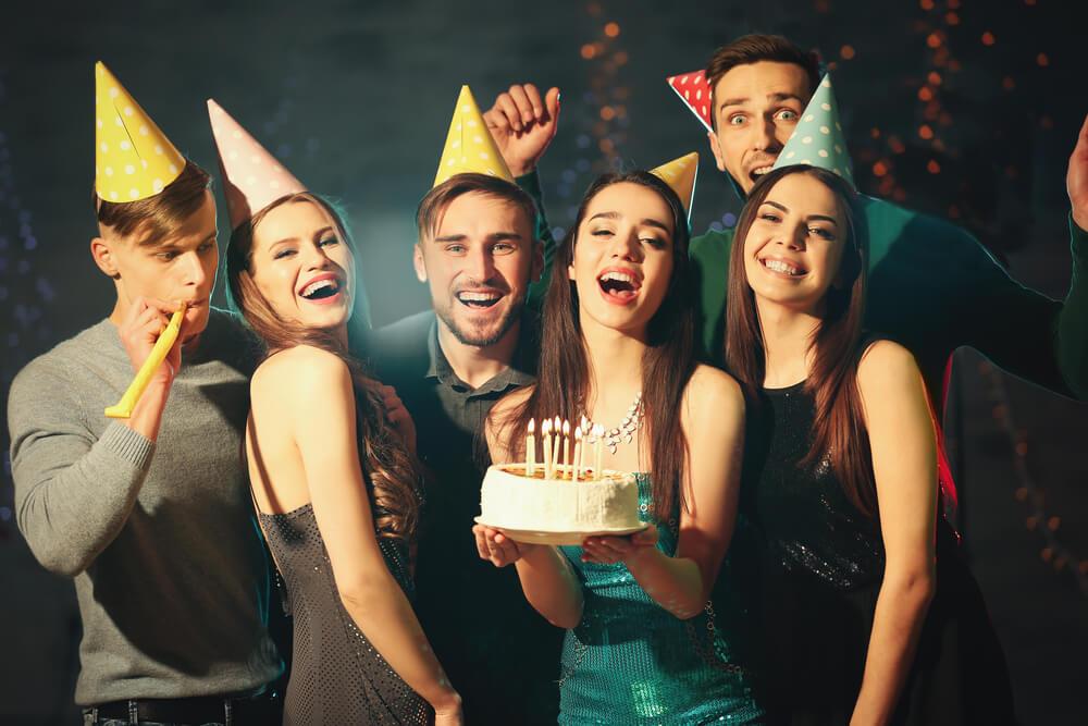 Ovo su originalne čestitke za rođendan koje možete uputiti ljudima svih uzrasta