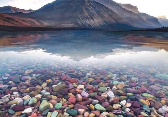 Jezero Mekdonald – šareno čudo prirode