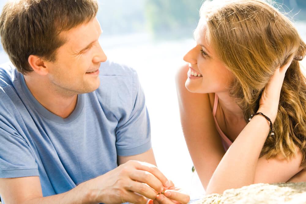Kad im koncentracija nije jača strana – evo šta će muškarac prvo primetiti na ženi koja mu se sviđa